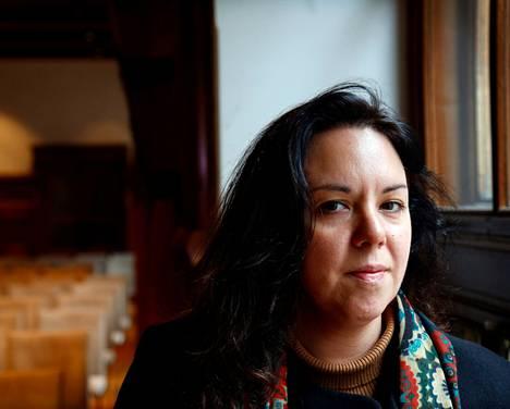 Suomessa viime viikolla vierailleen espanjalaisen tutkijan ja pakotepolitiikan asiantuntijan Clara Portelan mukaan pakotteiden asettaminen on taiteilua monen eri tekijän kanssa.
