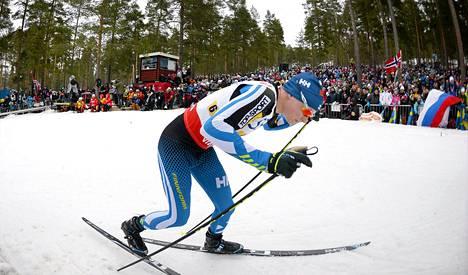 Tuoreeltaan viestin jälkeen Matti Heikkinen kuvasi hiihtoaan nöyryytykseksi