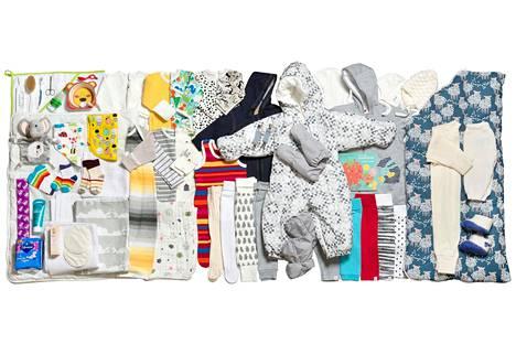 Finnwatch selvitti vuoden 2018 äitiyspakkauksen tuotteiden taustoja.