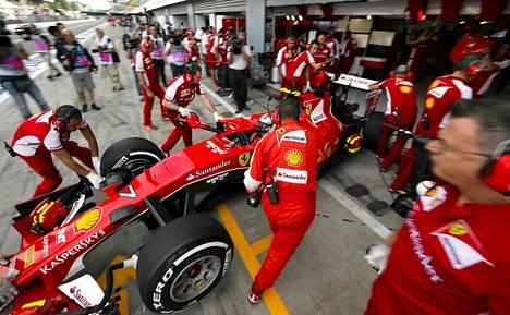 Kimi Räikkösen vauhti ei ollut kohdillaan Monzan ensimmäisissä harjoituksissa.