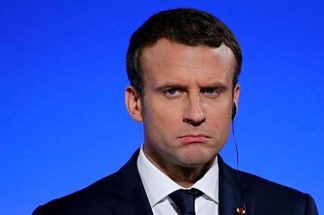 Emmanuel Macron osallistui lehdistötilaisuuteen presidentin virka-asunnossa Élysée-palatsissa Pariisissa Ranskan ja Saksan hallitusten yhteiskokouksen jälkeen viikko sitten torstaina.