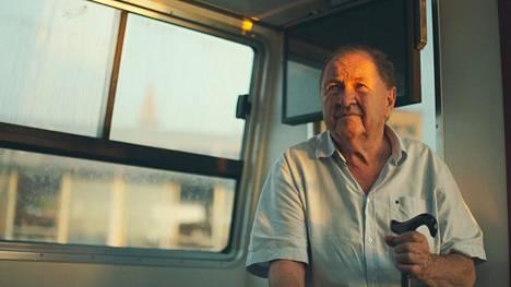 Fred Scottin tekemä dokumentti ruotsalaisesta ohjaajasta Roy Anderssonista (kuvassa) vei myös yllättävien tilanteiden äärelle.