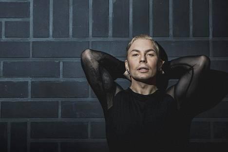 Antti Tuiskun levy on tapaus, teko ja sitä, mitä Tuiskulta on oikeastaan odotettukin.