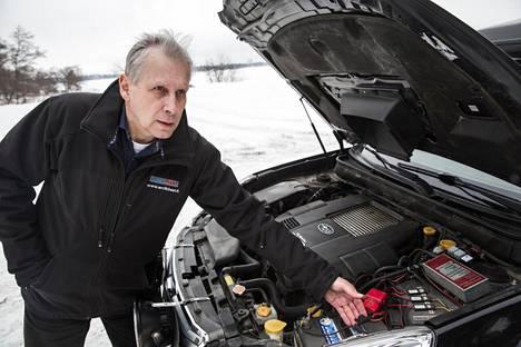 Teijo Siekkinen jätti vakituisen työnsä autoalalla ja panosti kaiken kehittämäänsä akkulämmittimeen.