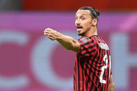 Zlatan Ibrahimovic nähdään punamustassa paidassa ensi kesään asti.