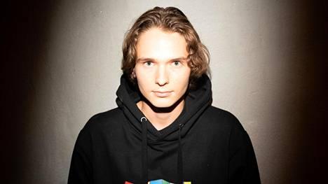 Räppäri Ibe eli XX julkaisi neljännen levynsä keskiviikon ja torstain välisenä yönä Skorpions-levy-yhtiön tiloissa Hämeentiellä.