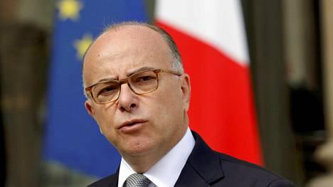Ranskan silloinen sisäministeri Bernard Cazeneuve puhui elokuussa Pariisissa.