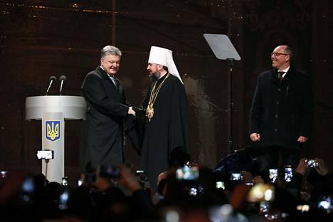 Ukrainan presidentti Petro Porošenko onnitteli Ukrainan ortodoksisen kirkon johtoon valittua metropoliitta Epifania.