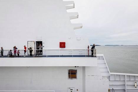 Jatkossa myös laivan kyytiin pääsee rokotustodistuksella.