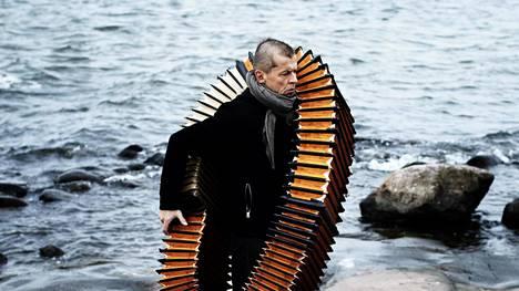 Kimmo Pohjonen kertoo turhautuneensa tapaansa tehdä musiikkia ja harkinneensa jopa lopettamista.