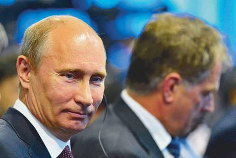 Venäjän presidentti Vladimir Putin piti korruptiota suurimpana uhkana maan kehitykselle. Taustalla presidentti Sauli Niinistö.