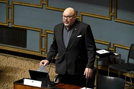 Kansanedustaja Ano Turtiainen kuvattiin eduskunnan täysistunnossa tiistaina.