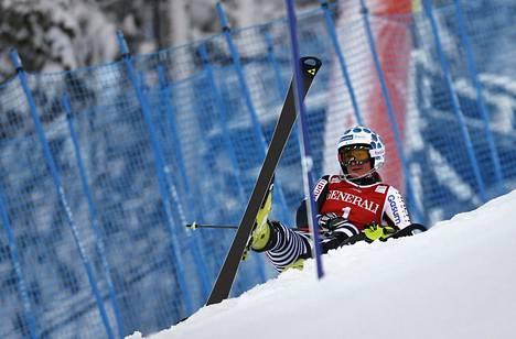 Tanja Poutiainen laski harmikseen ulos uransa viimeisessä Levin mc-pujottelussa marraskuussa 2013. Sen jälkeen kukaan suomalainen nainen ei ole päässyt Levillä toiselle kierrokselle.
