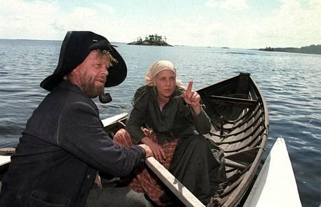 Joel Lehtosen Putkinotko-romaanin päähenkilö on omalaatuinen itäsuomalainen Juutas Käkriäinen, joka uskoo korpikansan ikivanhoihin uskomuksiin. Reima Kekäläinen ohjasi romaanista draamasarjan, jossa Vesa-Matti Loiri (vas.) esitti Juutas Käkriäistä ja Eija Vilpas hänen vaimoaan Rosina Käkriäistä.