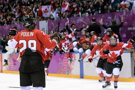Marie-Philip Poulin ratkaisi finaalin Kanadalle.