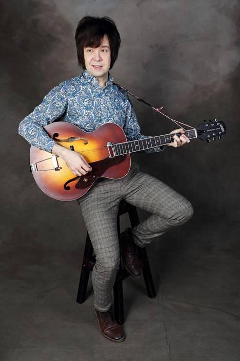 Olisiko Jani Matti Juhani Elvis-tulkki runosieluisten indiepoppareiden makuun, mahdollisesti ensimmäinen lajissaan?
