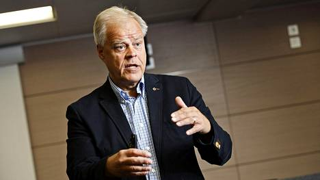 Opetusalan ammattijärjestön OAJ:n puheenjohtaja Olli Luukkainen johtaa Jukon hallitusta.