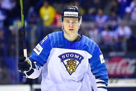 Kaapo Kakko on ollut Suomen ykköstähti Slovakian MM-jäillä.