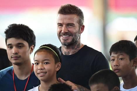 David Beckham oli pelaajaurallaan erittäin suosittu muun muassa Aasiassa. Viime viikolla hän vieraili Thaimaassa ja tapasi paikallisia jalkapallojunioreita.