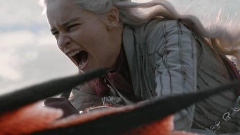 Daenerys Targaryen (Emilia Clarke) jatkaa taistelua Westerosin Rautavaltaistumesta Gameof Thronesin neljännessä jaksossa.