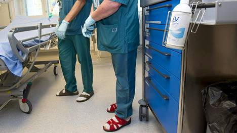Potilaat valikoidaan normaalioloissakin tarkoin perustein tehohoitoon. Kuva Meilahden sairaalan teho-osastolta Helsingistä.