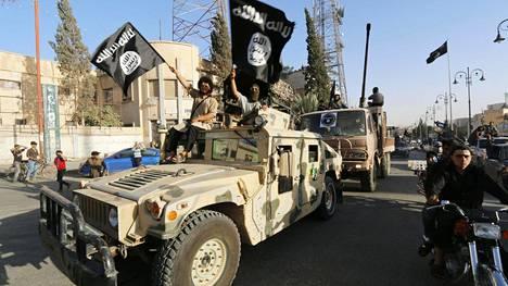 Yksi Isisin tunnusmerkeistä on musta lippu.