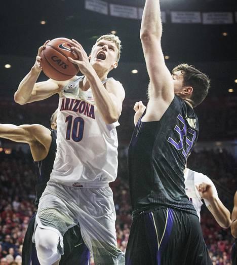 Arizona Wildcatsia yliopistokoripallossa edustanut Lauri Markkanen oli helmikuussa pelatussa ottelussa korinteossa Washington Statenia vastaan.