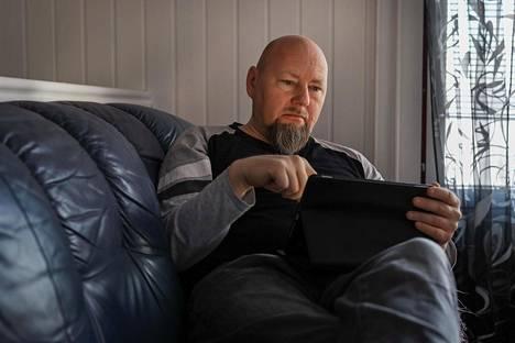"""Sami Pääkkönen toivoo palaavansa työelämään sen jälkeen, kun elinsiirto saadaan tehtyä. """"Tässä olisi vielä paljon työvuosia jäljellä"""", hän sanoo."""