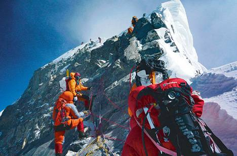 Edellisen kerran reitti Mount Everestin huipulle ruuhkautui vuonna 2009.