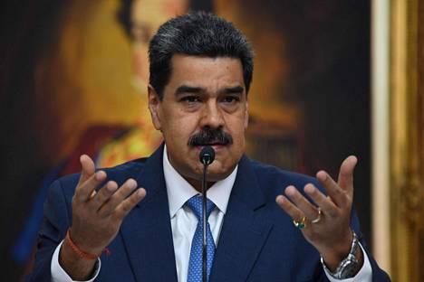 Venezuelan presidentti Nicolás Maduro lehdistötilaisuudessa maan pääkaupungissa Caracasissa 14. helmikuuta.