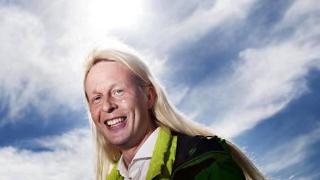 Positiivinen ihminen Petrus Pennanen, 44, nousee Piraattipuolueen edustajana Helsingin kaupunginvaltuustoon.