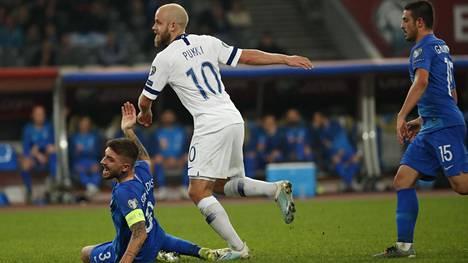 Teemu Pukki teki Kreikka-ottelussa karsintojen kymmenennen maalinsa.