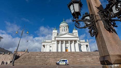 Senaatintorin jättiterassi on tarkoitus avata kesäkuun viimeisellä viikolla tai viimeistään heinäkuun alussa.