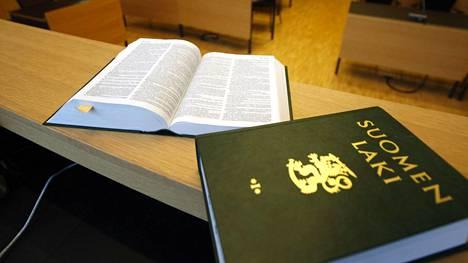 HS:n haastattelemat irakilaiset arvioivat, että turvapaikanhakijoille pitäisi kertoa enemmän Suomen laista.