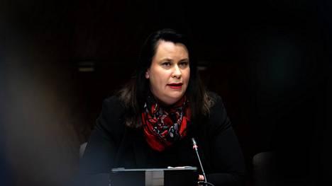 Kansanedustaja Johanna Ojala-Niemelä eduskunnassa joulukuussa.