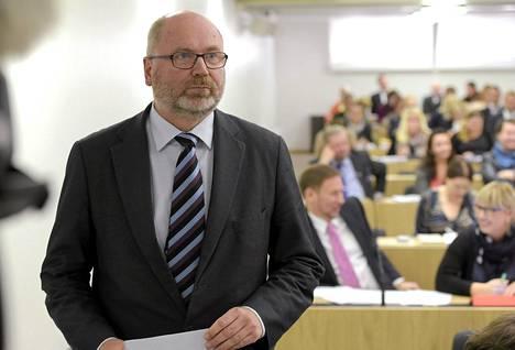 SDP:n kansanedustaja Eero Heinäluoma valtion vuoden 2016 talousarvioesityksen lähetekeskustelussa eduskunnassa 29. syyskuuta.