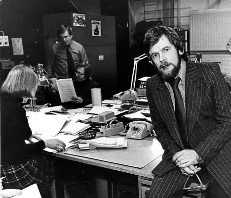 Yrjö Länsipuro toimi Yleisradion uutistoimituksen toimituspäällikkönä vuonna 1977.