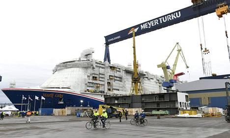 STT:n tammikuussa julkaiseman uutisen mukaan teknologiateollisuuden yritysten tilauksista 60 prosenttia on perustunut viime vuosina telakkateollisuuteen. Kuva Meyerin Turun telakalta.