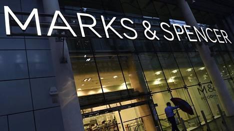 Marks & Spencerin myymälä Lontoossa.