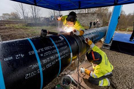 Suomen ja Viron verkot yhdistävän kaasuputken rakentaminen on käynnissä Viron Paldiskissa.