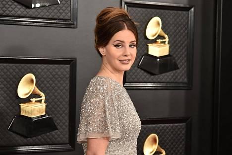 Lana Del Rey osallistui Grammy-gaalaan tammikuussa 2020.