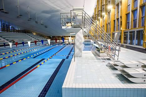 Vantaan uimahalleista vain Tikkurilassa on 50-metriset uintiradat. Hallin peruskorjaus valmistui viime vuonna.