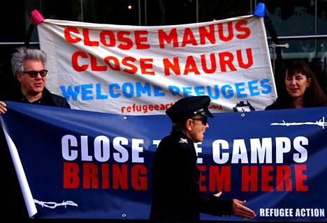 Australian Papua-Uudessa-Guineassa ja Naurussa sijaitsevia säilöönottoleirejä vastaan osoitettiin mieltä Sydneyssä elokuun lopulla.