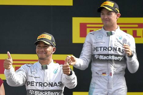 Lewis Hamilton ja Nico Rosberg taistelevat tiukasti maailmanmestaruudesta.