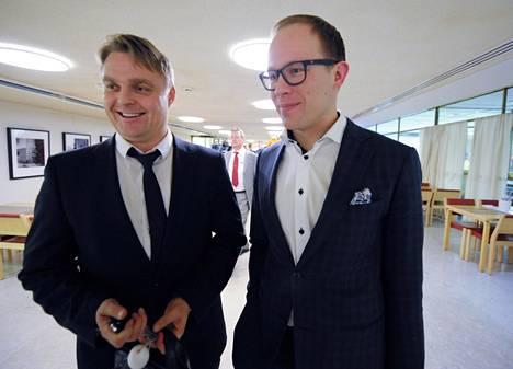 Helsingin kaupunginvaltuuston keskiviikkoisen kokouksen kiistakumppanit Osku Pajamäki (sd) ja Lasse Männistö olivat sopua Guggenheim-äänestysten jälkeen.