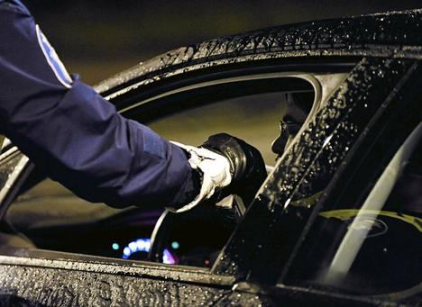 Rattijuopumusapaukset käsiteltäisiin rangaistusmääräysmenettelyssä liikennerikkomusten tapaan.