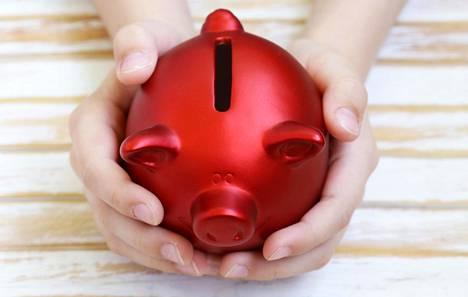 Alakouluikäinen lapsi saa keskimäärin viisi euroa viikkorahaa.