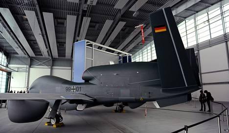 Miehittämätön lennokki (UAS) Euro Hawk SIGINT kuvattuna Manchingissä.
