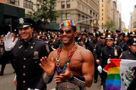 Poliisit osallistuivat New Yorkin Pride-marssille vuonna 2019.