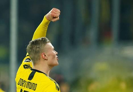 Norjalaisnuorukainen Erling Braut Haaland villitsee Dortmundissa.